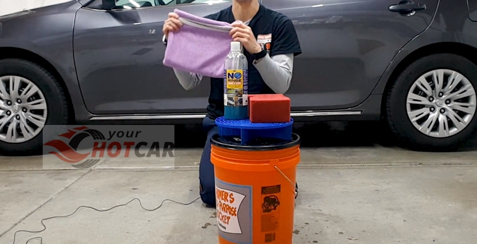 some basic tools you need to have in order to clean your car